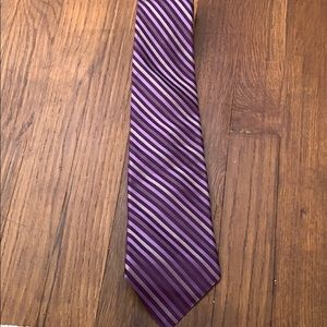 Apt 9 purple and silver tie